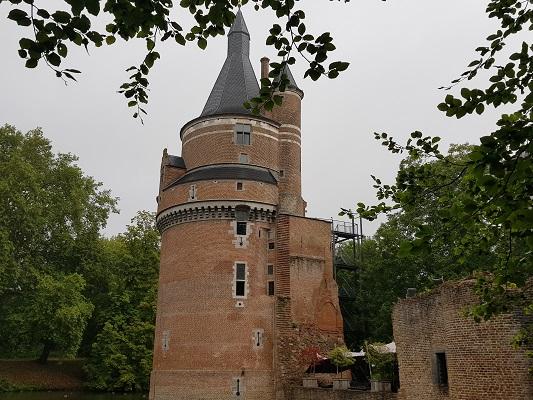 Wandelen over het Romeinse Limespad bij kasteel Duurstede in Wijk bij Duurstede