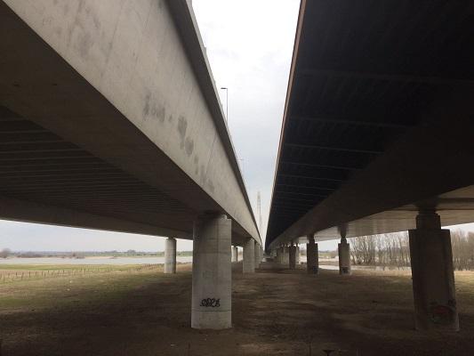 Waalbrug op wandeling over Roots Natuurpad van Doorwerth naar Winssen