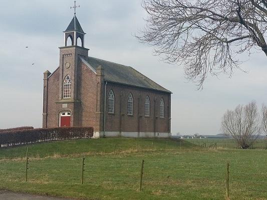 Nederlands Hervormde vluchtheuvelkerk op wandeling over Roots Natuurpad van Doorwerth naar Winssen
