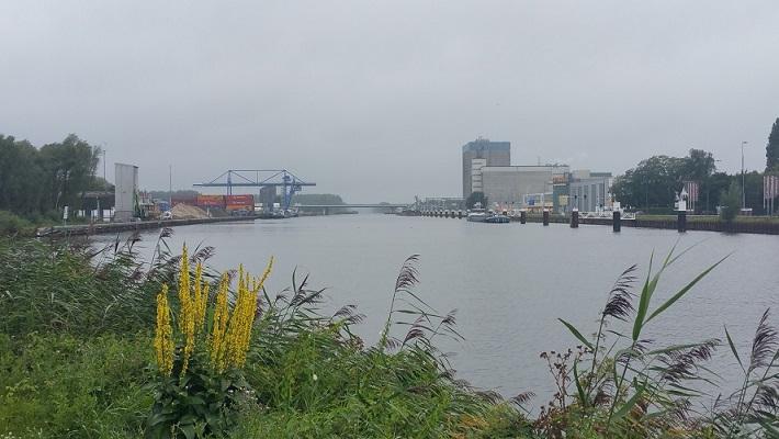 Zuid-Willemsvaart op wandeling over het Roots Natuurpad van Schijndel naar Veghel
