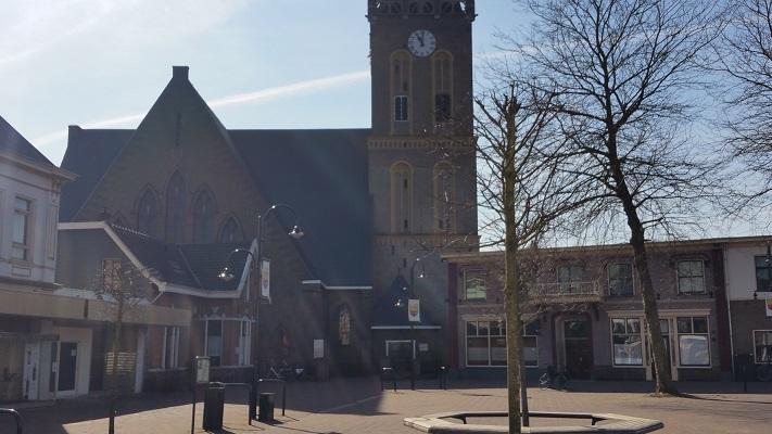 Kerk Heerde op een wandeling over het Roots Natuurpad van Wijhe naar Heerde