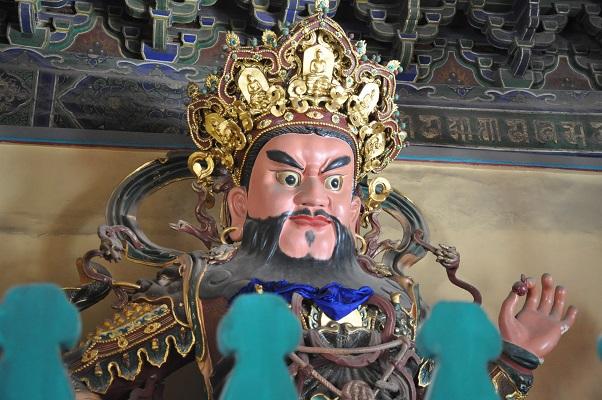 Beeld van keizer tijdens stadswandeling in Xian China