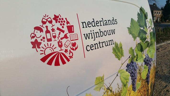 Nederlands Wijbouwcentrum tijdens wijnwandeling van Wanda Catsman in Groesbeek