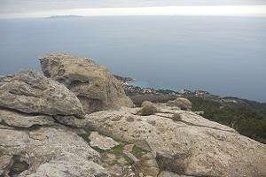 Rotspartijen bij Marciana tijdens wandelreis naar Italiaans eiland Elba