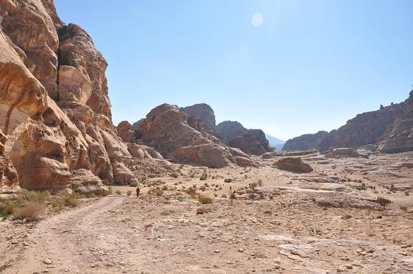 Wandeling naar Little Petra tijdens een wandelreis van SNP door Jordanië