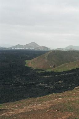 Lavavelden tijdens een wandelvakantie op Canarisch Eiland Lanzarote