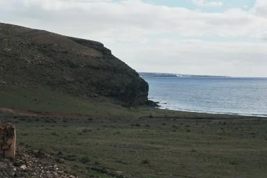 Kust bij Quemada de Orzola tijdens een wandelvakantie op Canarisch Eiland Lanzarote