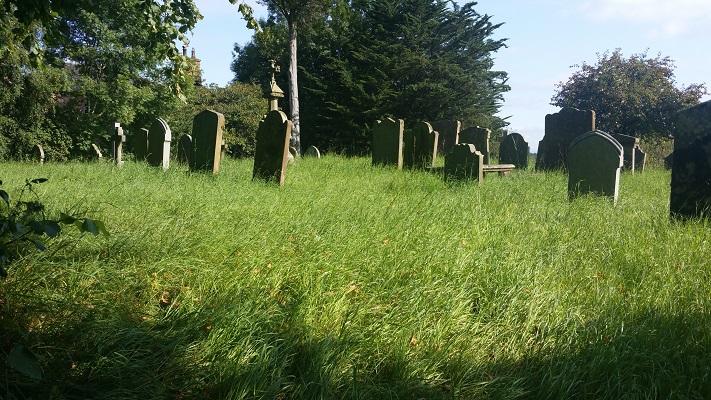 Kerkhof tijdens wandeling van Carlisle naar Bownes op wandelreis over Muur van Hadrianus in Engeland