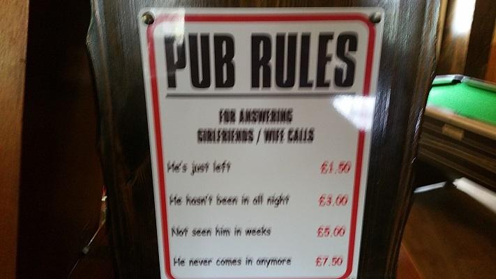 Pub Rules tijdens wandeling van Carlisle naar Bownes op wandelreis over Muur van Hadrianus in Engeland
