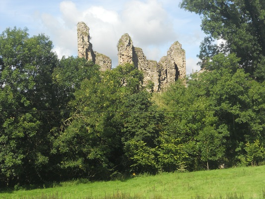 Ruïne bij Gilsland op een wandeling van Once Brewed naar Lanercost op wandelreis over Muur van Hadrianus in Engeland