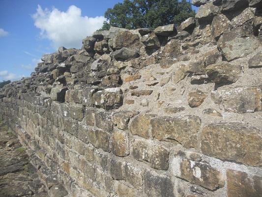 De Muur van Hadrianus bij Once Brewed op een wandeling van Once Brewed naar Lanercost op wandelreis over Muur van Hadrianus in Engeland