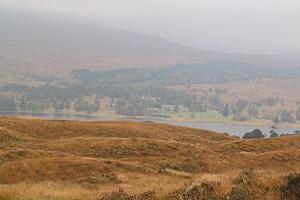 Heide en meren tijdens wandelreis over de West Highland Way in Schotland