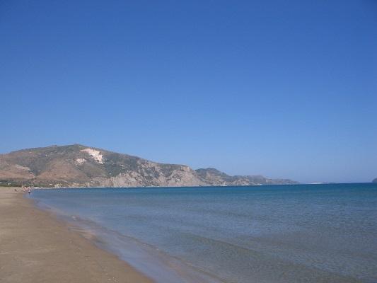 Strand bij Kalamaki tijdens wandelvakantie op Grieks eiland Zakynthos