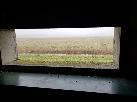 Vogelkijkhut bij Sabina Henricapolder tijdens een wandeling over het Zuiderwaterliniepad van Dinteloord naar Willemstad