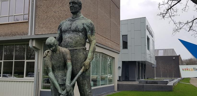 Wandelen over Rielsepad van Eindhoven naar Geldrop bij Vakcollege