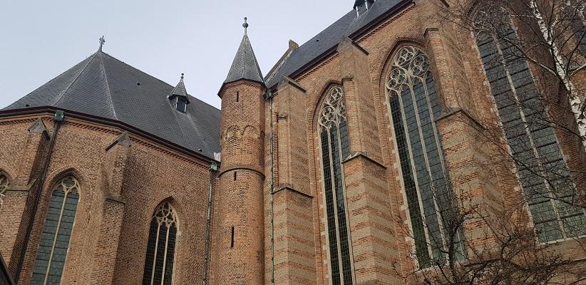 Geertruidskerk in Geertruidenberg op een wandeling over de Zuiderwaterlinie van Oosterhout via Geertruidenberg naar Hooipolder