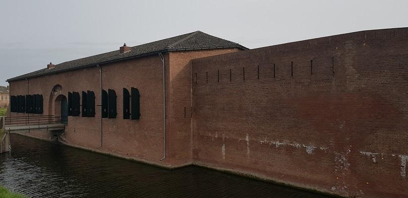 Fort Lunet in Geertruidenberg op een wandeling over de Zuiderwaterlinie van Oosterhout via Geertruidenberg naar Hooipolder