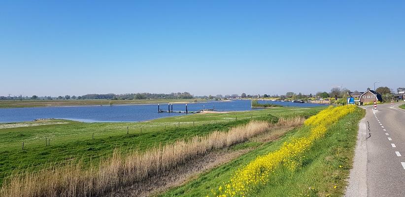Wandeling over Klompenpad Hamarithapad bij Nederhemert bij de Afgedamde Maas