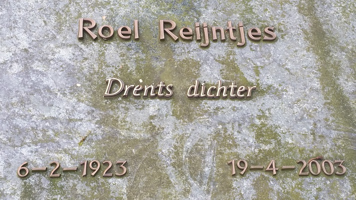 Wandelen over het Westerborkpad van Hooghalen naar Beilen bij een gedicht van Roel Reijntjes
