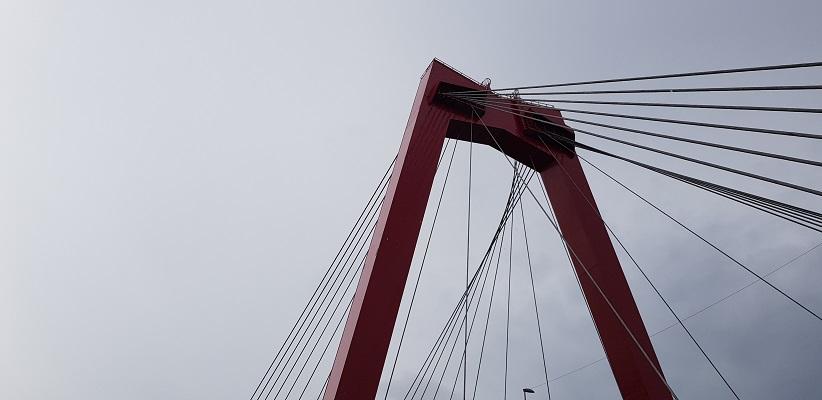 NS-wandeling Rotterdam Maasstad bij de Willemsbrug