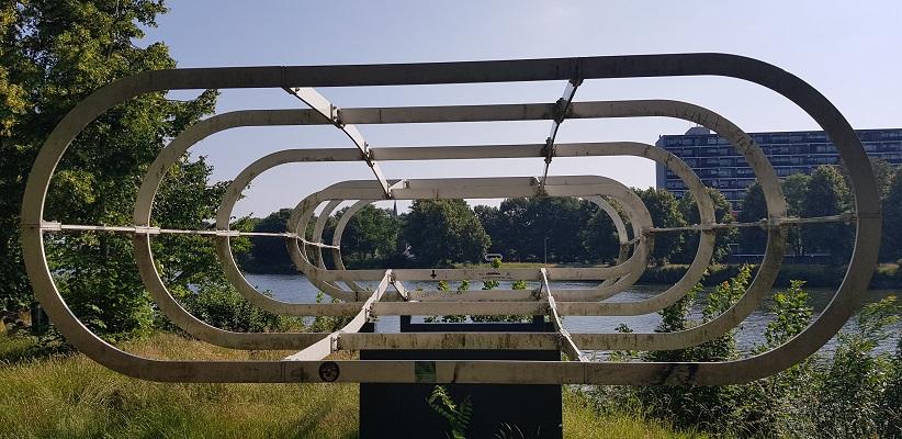 Wandeling met de gids van Gegarandeerd Onregelmatig Buiten de binnenstad van Nijmegen over het Wijchenpad waar eens oude weg Neerbosch lag, nu Maas- Waalkanaal