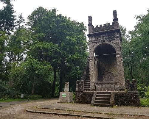 Wandelen over de Utrechtse Heuvelrug over het Leersumse Veld bij de Uilentoren in Leersum