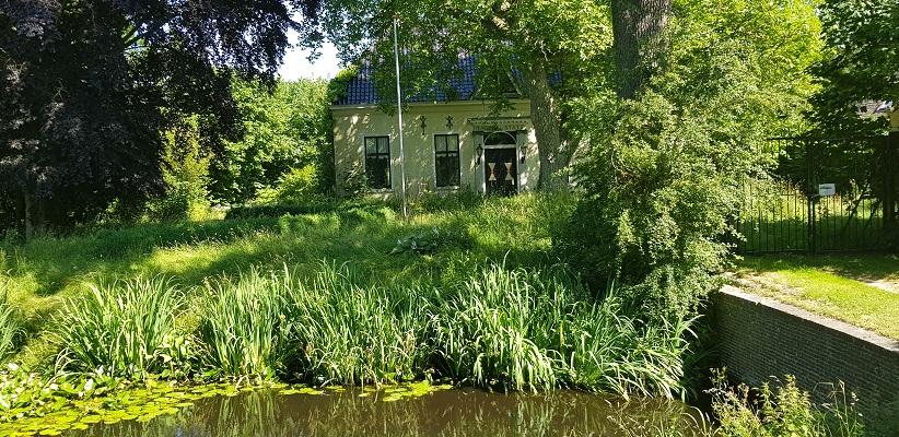 Wandeling van Ferwerd naar Dokkum over het Elfstedenpad bij Hariastate