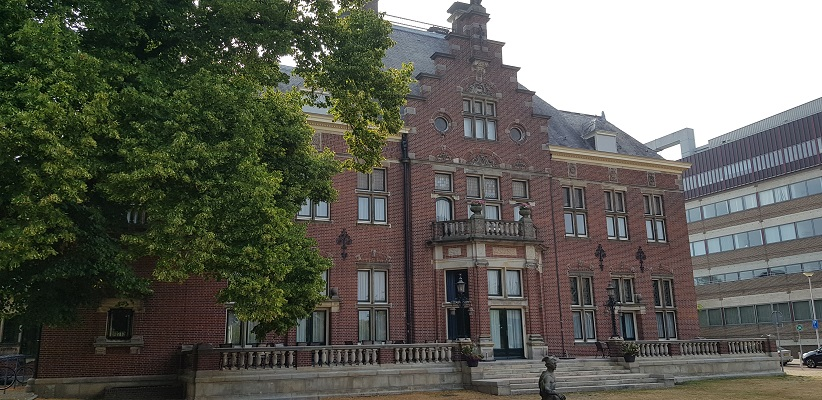 Wandeling buiten de binnenstad van Nijmegen van Gegarandeerd Onregelmatig over het Goffertpad bij kasteel Heyendaal