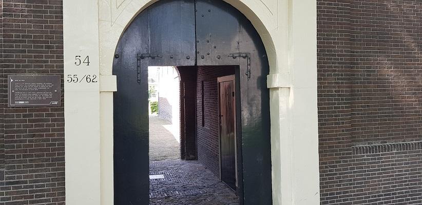 Wandelen in Delfland in Centrum Delft bij Hofje van Pauw