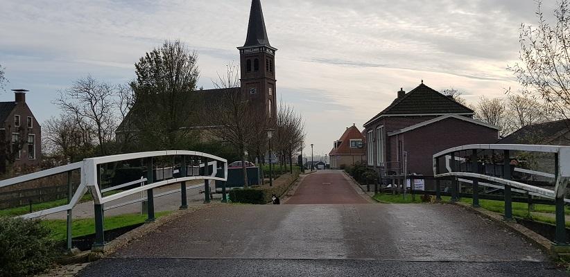 Wandeling over het Elfstedenpad van Witmarsum naar Allingawier in Schettens