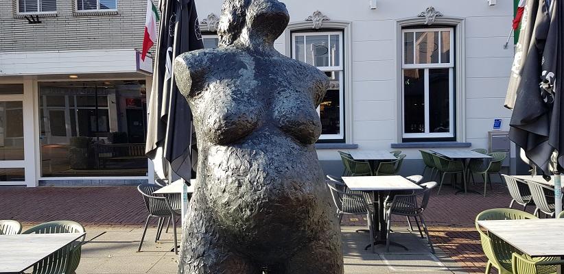 Wandeling van Brabant Vertelt langs kunstwerken in centrum van Helmond bij De Toekomst