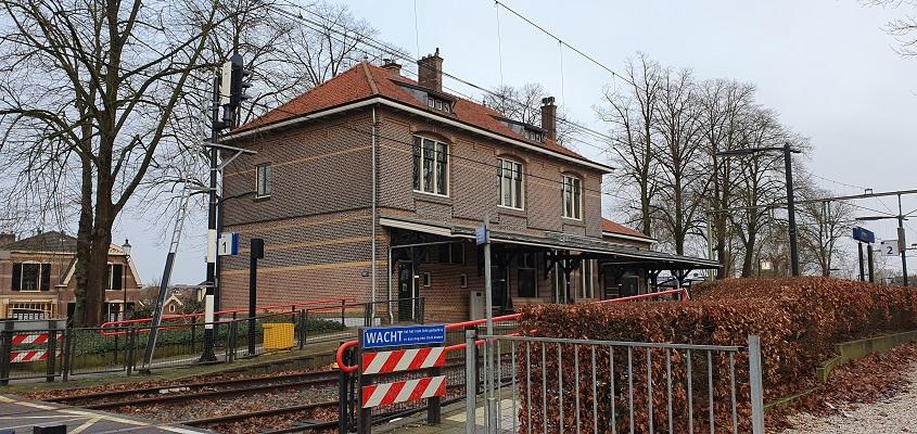 Wandeling over Trage Tocht Lunteren bij het station van Lunteren