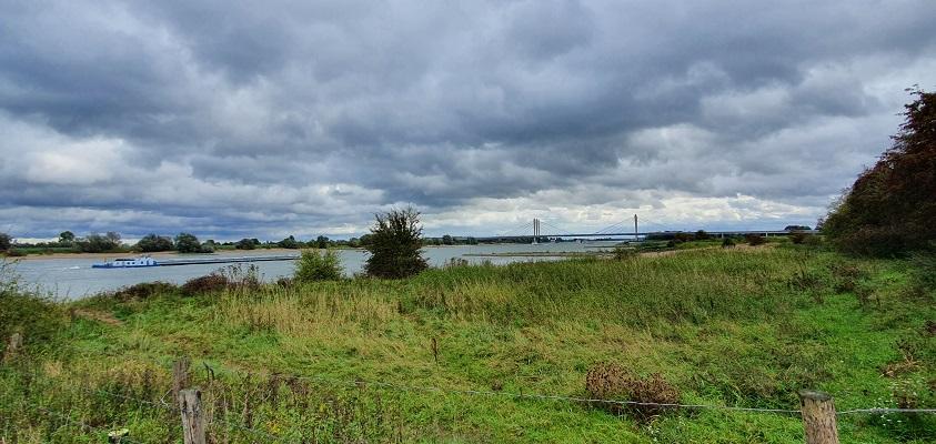 Wandeling over Klompenpad Ambts- en Rijkspad in Winssen in de uiterwaarden