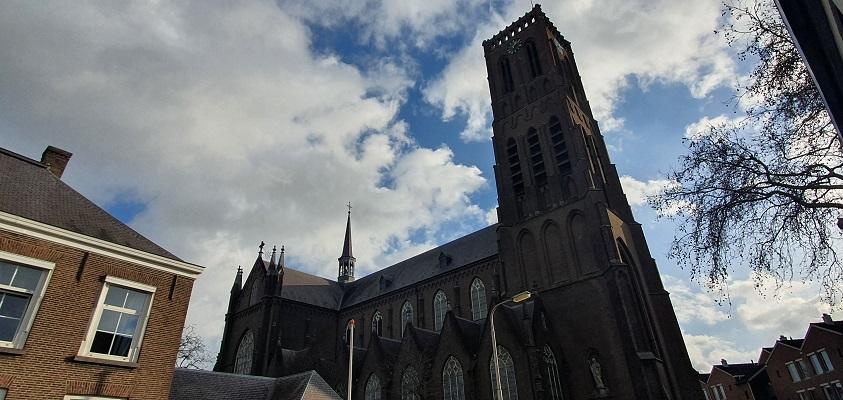 Historische wandeling Oss bij de Grote Kerk