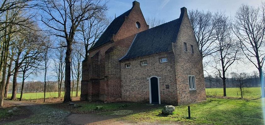 Wandeling over Trage Tocht Mill bij Kapel Maria ten Hove