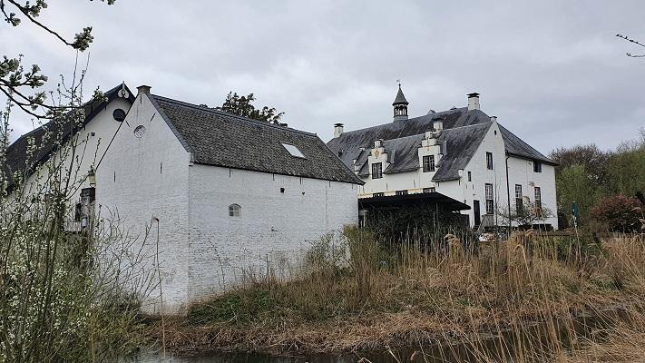 Wandeling over Trage Tocht Ewijk bij Slot Doddendael