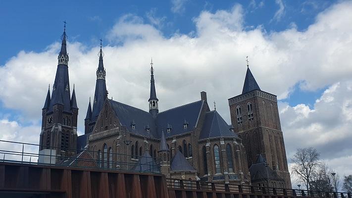 Wandeling over Kloosterpad van Beers naar Oeffelt bij de Martinuskerk in Cuijk