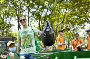 [VNSVX] Clean up with US Consulate (2)