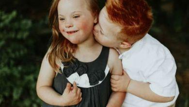 Photo of «Οι καρδιές μας είναι όλες ίδιες»: Δύο 7χρονα παιδιά με σύνδρομο Down φωτογραφίζονται και λιώνει η καρδιά μας