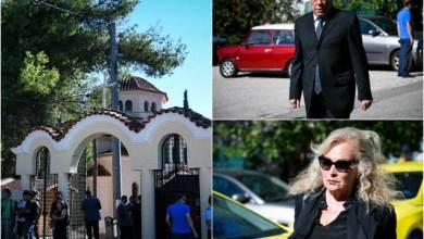 Photo of Σπαραγμός στην κηδεία της Ρίκας Βαγιάννη: Συντετριμμένοι φίλοι και συγγενείς στο τελευταίο αντίο
