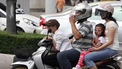 Photo of «Μπορείς να σταματήσεις να βάζεις το παιδί στο μηχανάκι χωρίς κράνος;»