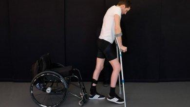 Photo of Τρεις παραπληγικοί περπάτησαν ξανά χάρη σε πρωτοπόρα νευροτεχνολογική μέθοδο αποκατάστασης