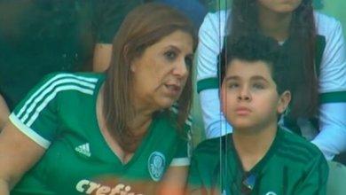 Photo of Καλύτερη οπαδός η μητέρα που υιοθέτησε τυφλό παιδάκι με το οποίο πηγαίνουν στο γήπεδο και του περιγράφει τα ματς! [video]