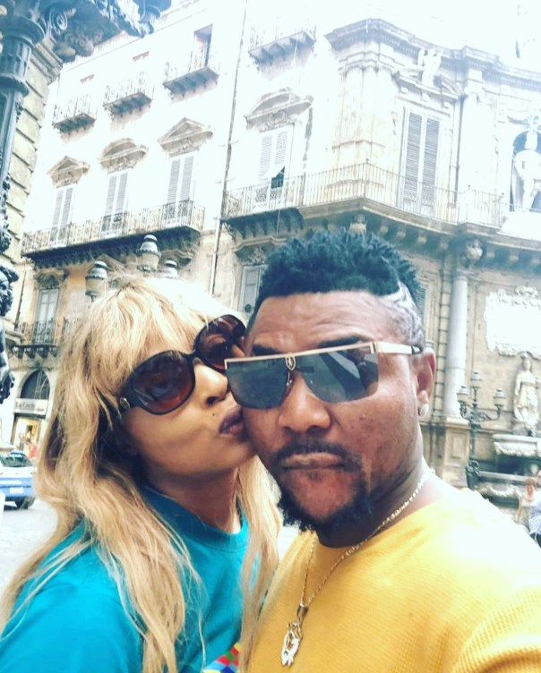 Oritsefemi And His Wife Loved Up Italy Vacation Photos (2)