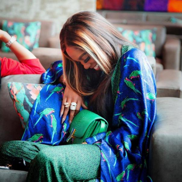 Tiwa Savage Playfully Attempts To Slap Wizkid Over Teni