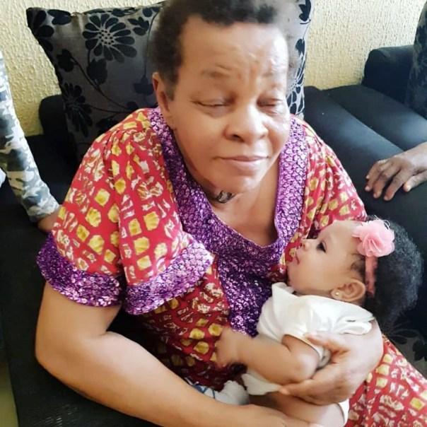 Photo Of Queen Nwokoye Mum With Her Daughter (3)