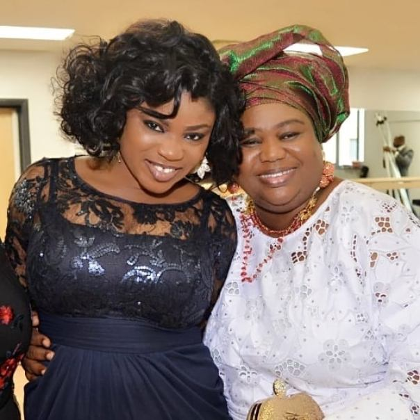 Eniola Ajao Celebrates Mum Birthday (2)