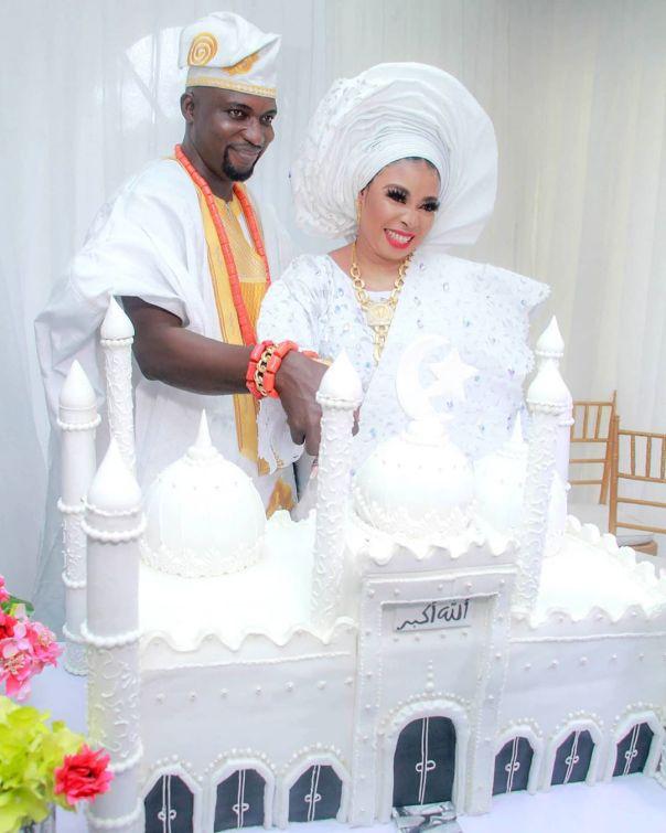 Lizzy Anjorin Wedding Cake (2)