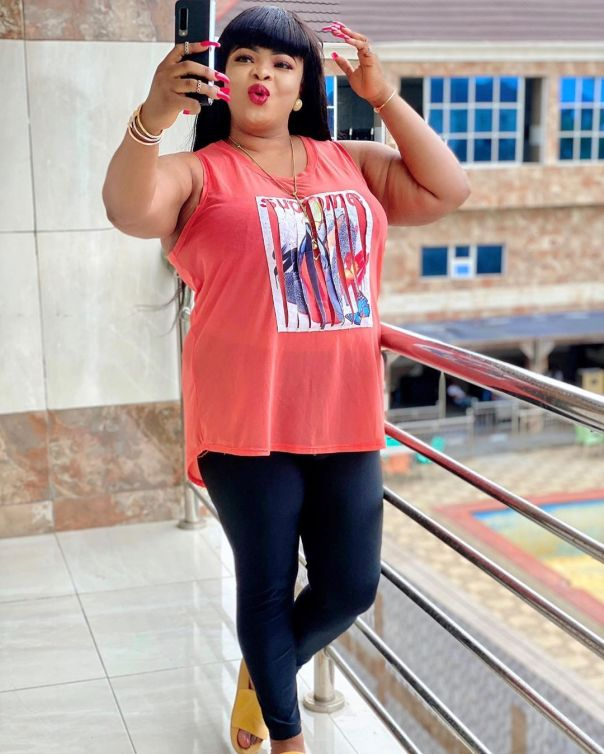 How Dayo Amusa Earns Her Respect (2) Amebo Book