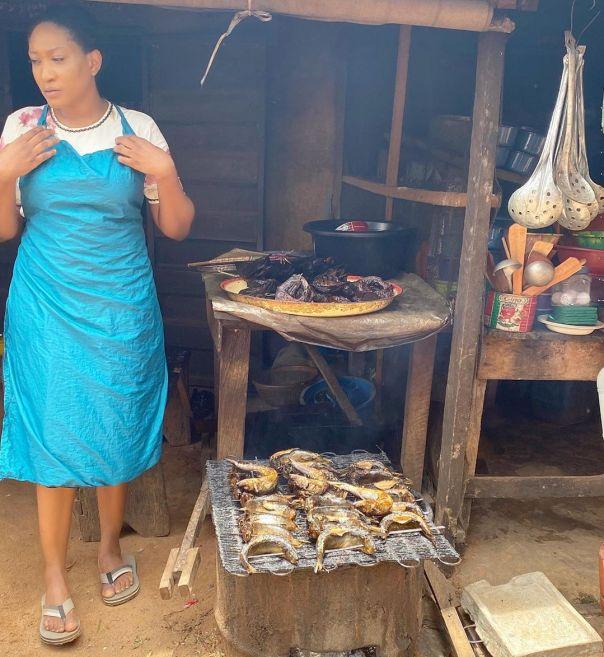 Oge Okoye Selling Fish Trophy Wife The Movie - Amebo Book